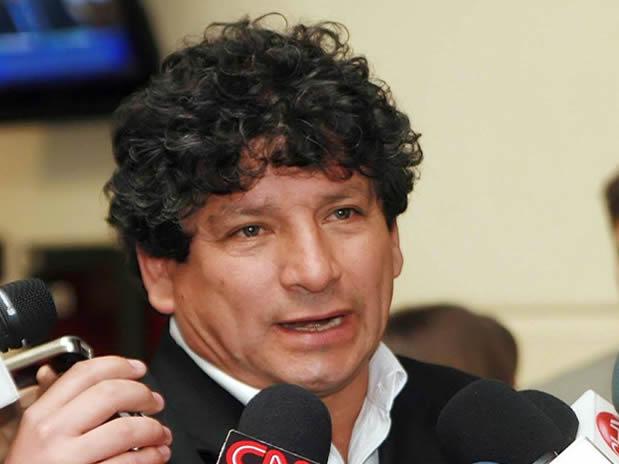 Comisión de Ética deja sin sanción a René Alinco