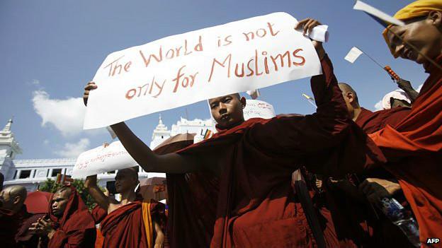"""""""El mundo no es solo para los musulmanes"""", dice este budista."""
