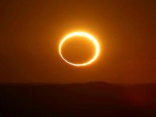 Australia presencia el primer eclipse anular de 2013