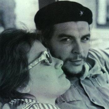 Hija del Che Guevara presenta libro en Chile