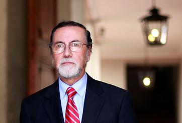 Rector de la U. de Chile considera