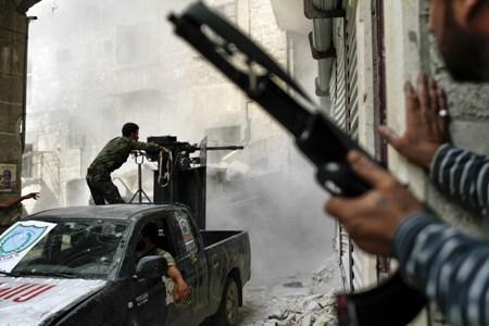 Unión Europea decide hoy sobre embargo de armas a oposición siria