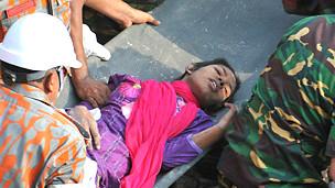 Tras 17 días, hallan a una sobreviviente entre los escombros de Bangladesh