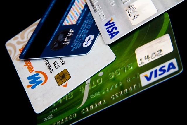 Comisiones de tarjetas: negocio representa cerca del 20% de los ingresos de la banca
