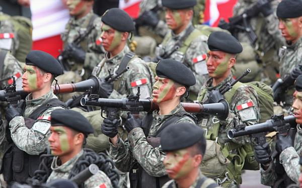 Los desconocidos preparativos militares en Chile y Perú previos al fallo de La Haya