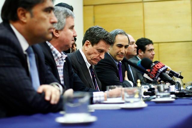 Cambio de fecha del Consejo General de RN provoca molestia en el partido y duras críticas a la actuación de la directiva