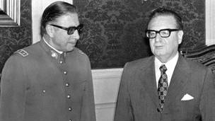 A Allende y Pinochet se les veía juntos y muchos confiaban en la tradición democrática chilena.