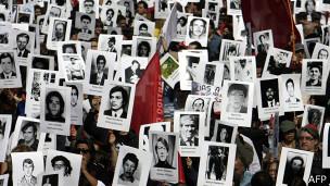 40 años más tarde continúa la necesidad de manifestarse por desaparecidos de Chile.
