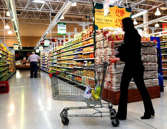 Gobierno recomendó a supermercados mantener precios: Decisión generó disputas con proveedores
