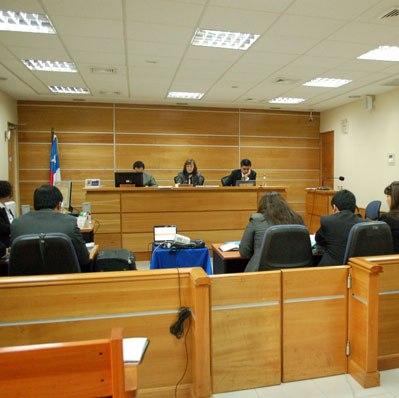 Corte Suprema anula juicio a imputado de narcotráfico por haber sido defendido por falsa abogada