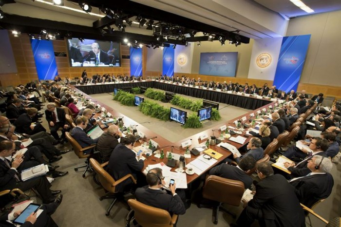 Líderes globales dejan el FMI sin que se vislumbre solución a crisis fiscal en EEUU