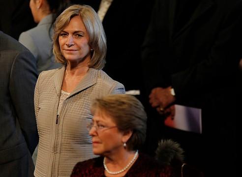 Bachelet y Matthei acaparan menciones en prensa y Parisi lidera en Twitter