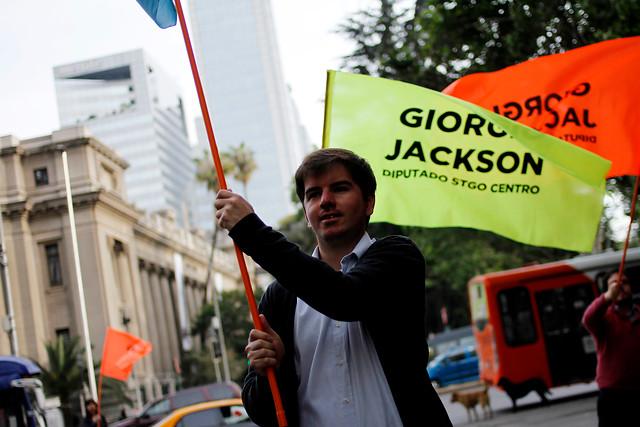Giorgio Jackson propone reducir a la mitad el sueldo de los diputados