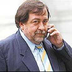 Juan Carvajal da por ganadora a Bachelet y dice que la discusión se centra en quién llegará segundo