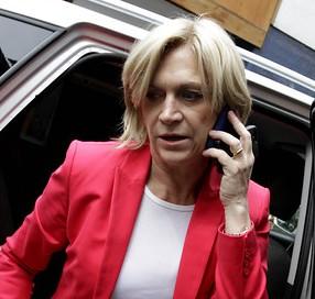 Matthei asegura que proyecto de Bachelet apunta a la ex Alemania Oriental