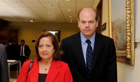 Senadores Patricio Walker y Soledad Alvear se abstienen de votar la