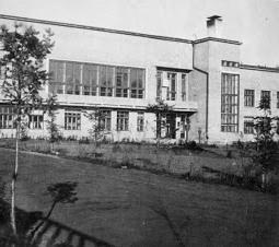 La escuela soviética para los niños de los revolucionarios del mundo