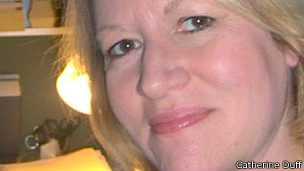 Catherine Duff estuvo cerca de morir en varias ocasiones antes de intentar un FMT.