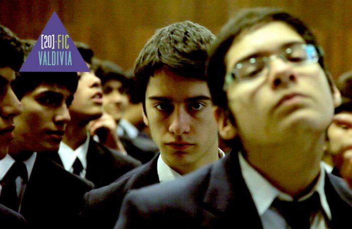 """""""El vals de los inútiles"""", la película sobre el conflicto estudiantil que parafrasea a Carlos Larraín"""