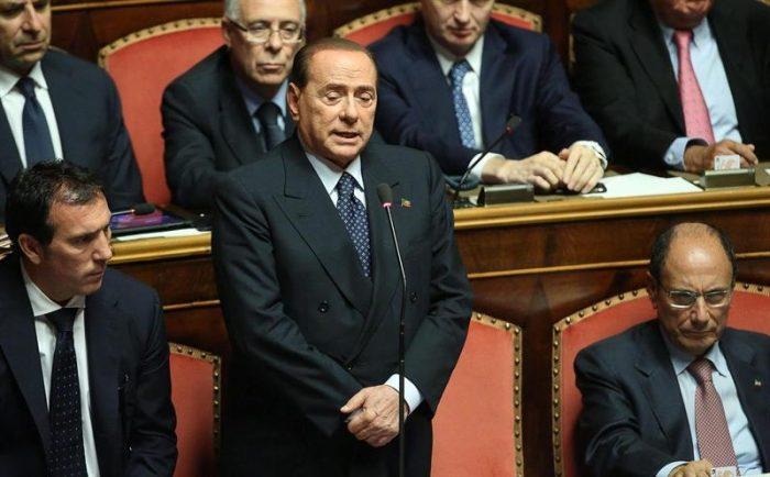 Letta sigue adelante mientras interrogantes se ciernen sobre Berlusconi