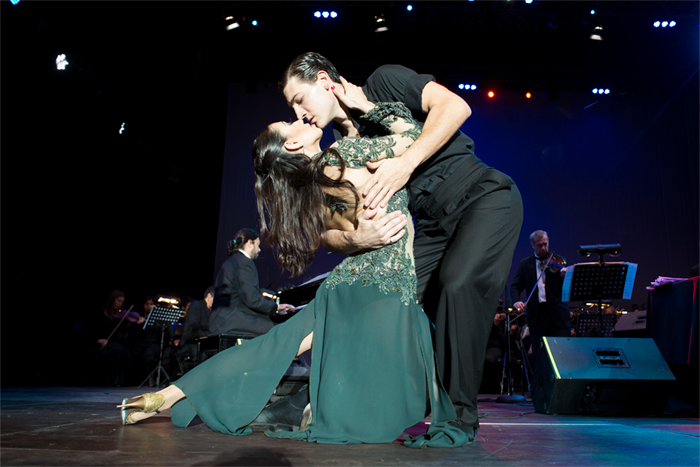 Fotorreportaje: La pasión del tango revolucionó la Plaza de Armas
