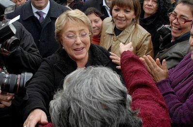 Por qué Bachelet bajó el nuevo código laboral a cambio de la Reforma Tributaria