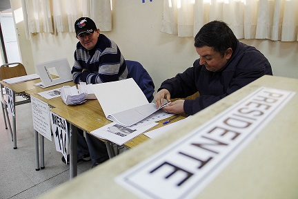 Servel Publica lista definitiva de vocales de mesa para las elecciones municipales