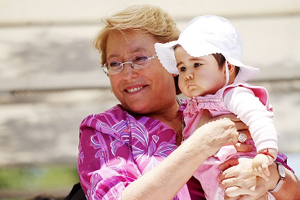 Bachelet asegura que Nueva Mayoría tendrá los votos para hacer los cambios que promete