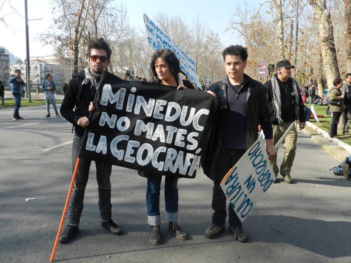 Académicos rechazan decisión del gobierno de sacar contenidos curriculares relacionados sobre riesgos naturales en el país