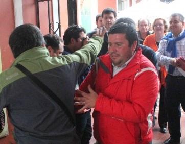 A golpes termina conferencia de prensa por la unidad entre RN y la UDI en La Serena