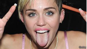 Miley Cyrus: ¿la están explotando o se está liberando?