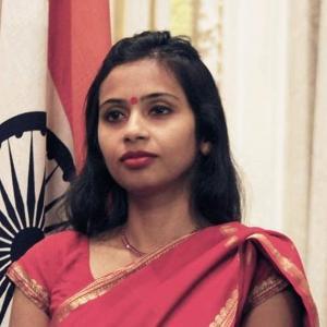 La India confirma que su diplomática abandona Estados Unidos