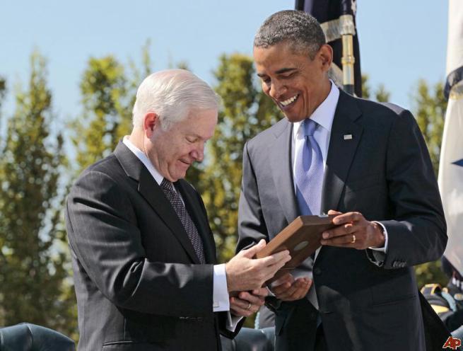 Duras críticas a Obama en libro de ex secretario de Defensa