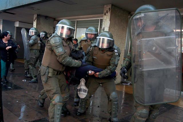 ONG identifica violaciones a los DD.HH. en Chile: Ley Antiterrorista, violencia policial y actuar de la Corte Suprema ante abusos en dictadura