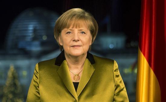 Merkel sufre factura de pelvis que complicará su agenda en las próximas semanas