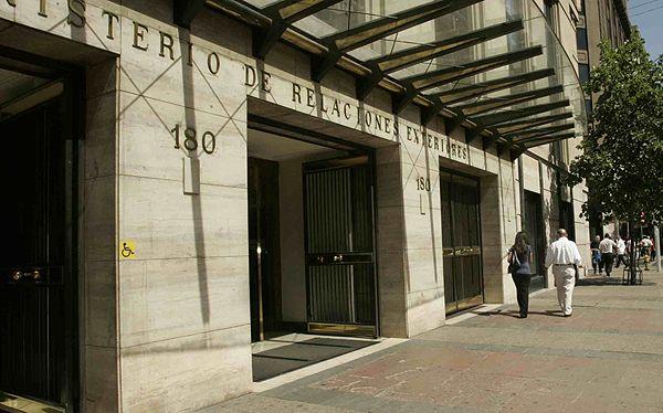 """El lobby del """"Grupo de los 10"""" para quedarse con la Subsecretaría de RR.EE. en la administración Bachelet"""