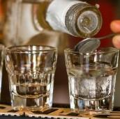 Vodka, el culpable de la alta mortalidad de hombres en Rusia