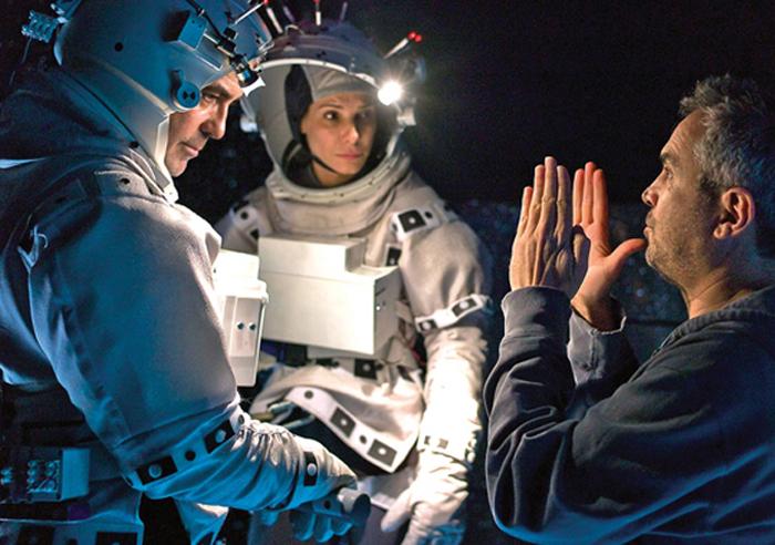 """Alfonso Cuaron en el set de """"Gravity"""""""