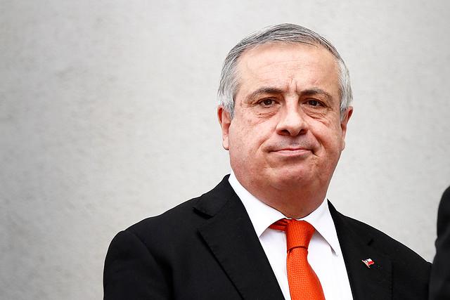 Ministro de Salud anuncia que se hará una reestructuración completa de Fonasa
