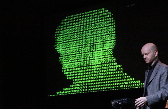 Atom TM, el músico electrónico que desconfía de la industria musical y apuesta por una actitud menos light