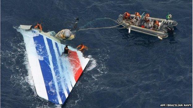 Los restos del vuelo 447 finalmente se encontraron cinco días después.