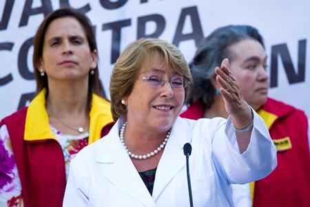 Abogado de caso Tsunami pedirá que fiscal rinda cuenta sobre querella contra Presidenta Bachelet