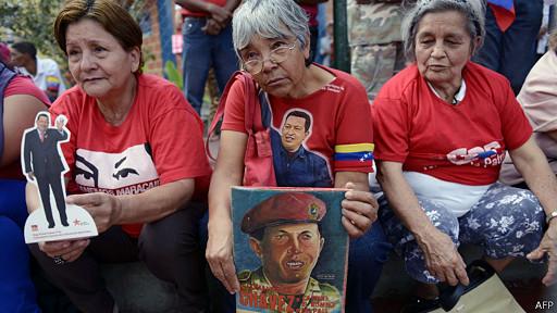 Los chavistas ya se encuentran reunidos cerca del Cuartel de la Montaña.