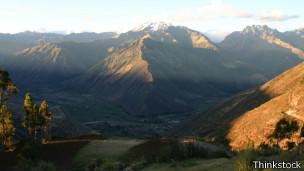 La cordillera andina es la mayor cadena montañosa del continente americano.