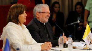 Entre los mediadores se encontraban el Nuncio Apostólico y la canciller de Colombia.