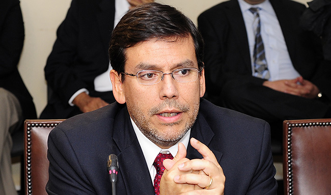 En vivo: Alberto Arenas expone ante la comisión del senado