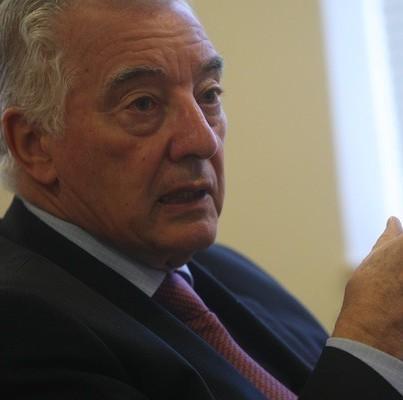 Críticas de Guzmán al empresariado desatan duro intercambio con Fernando Barros y Jorge Carey