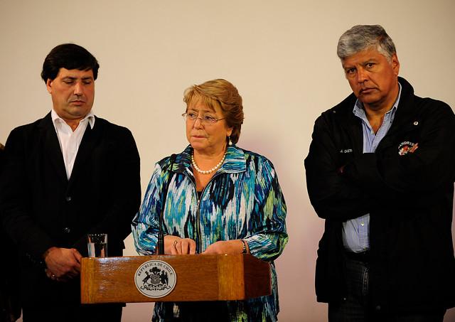 Bachelet designará delegados especiales para la reconstrucción en regiones de Arica, Tarapacá y Valparaíso