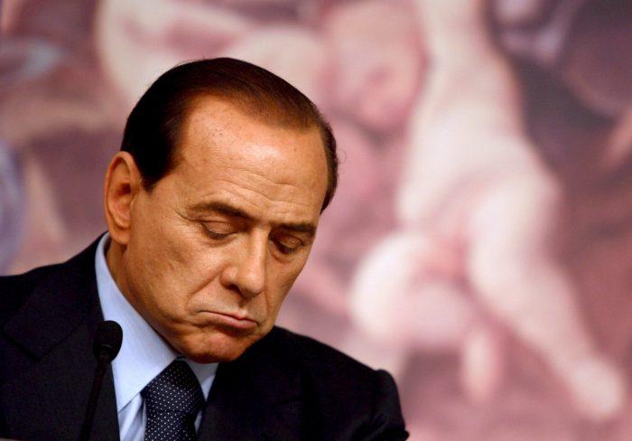 Berlusconi fue condenado a un año de trabajos comunitarios