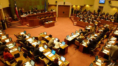 Parlamentarios han aumentado 245% sus remuneraciones en los últimos 13 años